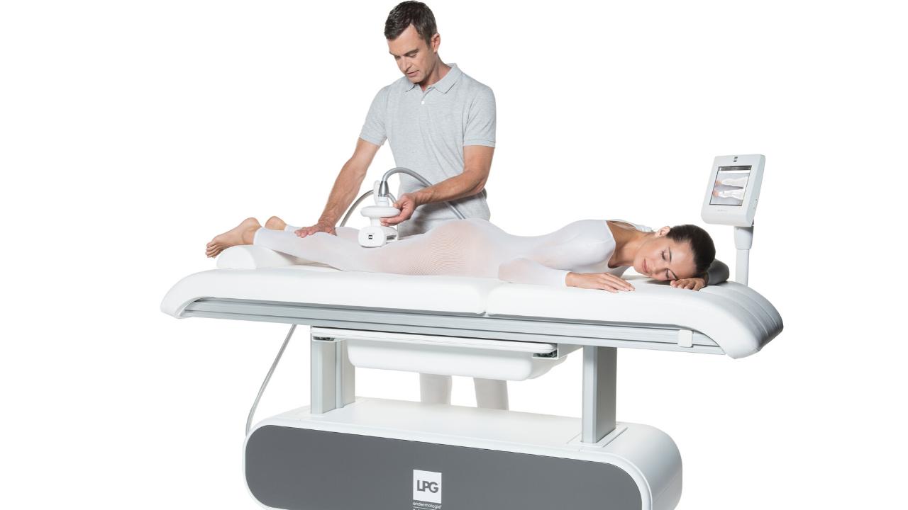 Traitement des jambes lourdes par la technique endermologie médical.